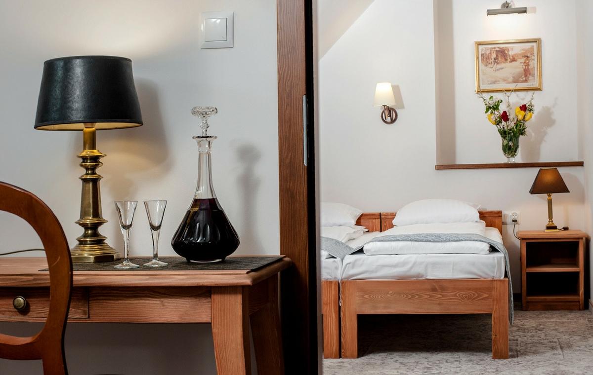 komfortowe-pokoje-pensjonat-dworek-kazimierski-noclegi-kazimierz-dolny-7